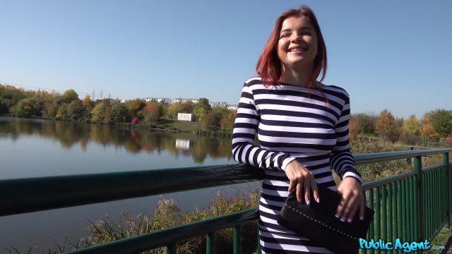 PublicAgent Renata Fox Casting Porno